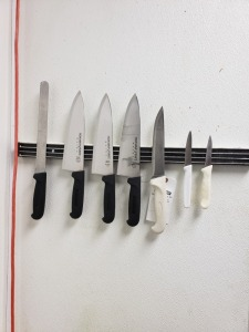 KITCHEN KNIFE LOT
