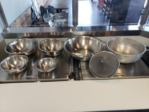 MIXING BOWL LOT