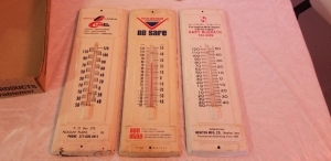 3 Advertising thermometers