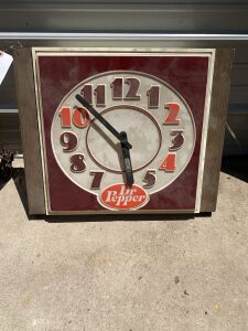 Dr. Pepper Lighted Plastics Clock