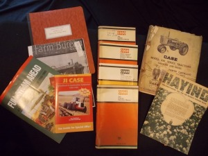 Misc. Literature Lot, Case operators Manuals and others (10)
