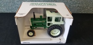 1/16th Scale Models Oliver 2255