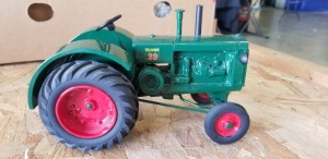 1/16th Pioneer Collectibles (?) Custom Oliver Model 99