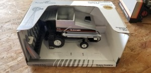 1/24th Scale Models Gleaner R75