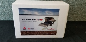 1/24th Scale Models Gleaner S88 Super Series