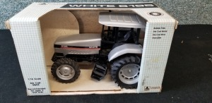 1/16th Scale Models White 6195 Workhorse