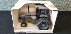 1/16th Scale Models White 195 Workhorse