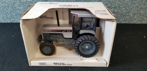 1/16th Scale Models White 170 Workhorse