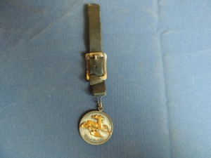 Early Round John Deere Fob