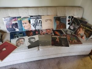 Assorted Records- Johnny Cash, Carpenters, Kenny Rogers