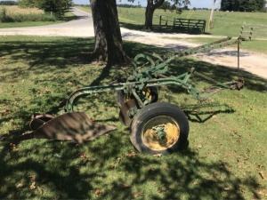 John Deere Single Bottom Trip Plow