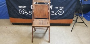 International Harvester P & O Plant band wooden folding chair