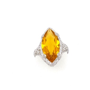 White 10 Karat Ring Estate Jewelry Size 7.25 with a imitation yellow birthstone