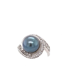 White 10 Karat Ring Estate Jewelry Size 8.25 With One 11.00Mm Tahitian Pearl And 31= Round Diamonds