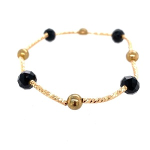Woman's fashion bracelet