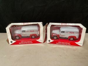 MAYTAG 1:25 SCALE 1953 INTERNATIONAL SERVICE VAN - 2