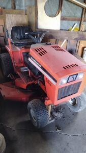 1984 Allis Chalmers T-811 VARI-SHIFT Gas  Lawn Tractor