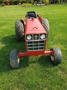 1977 International Harvester 184 Gas  Lawn Tractor