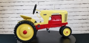 Cover Custom Cockshutt 660 Row Crop pedal tractor