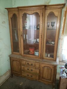 Display Cabinet And Contents