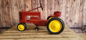 REPRODUCTION Eska John Deere Red Coffin Block Model A pedal tractor