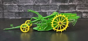 1/16 Scale Don Campbell Custom John Deere potato digger