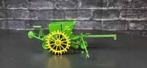 1/16 Scale Don Campbell Custom John Deere potato planter