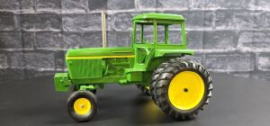 1/16 Scale Customized Ertl John Deere 4430