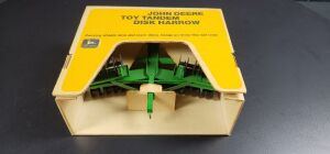1/16 Scale Ertl John Deere YELLOW BOX Stock No. 556