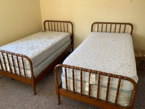 (2) Twin Beds