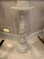 Antique Marble Pedestal With Putti Statue - 2
