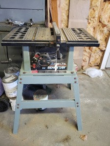 10 IN Delta Bench Saw