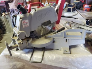 Milwaukee 10 IN Miter Saw Heavy Duty