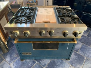 Viking Professional Gas Range 4 Burner w/Flat top