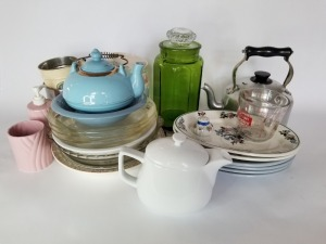 Mixed Kitchen Items Lot - Vintage And Modern