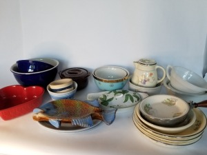 Kitchenware Lot - Vintage Assorted Pieces