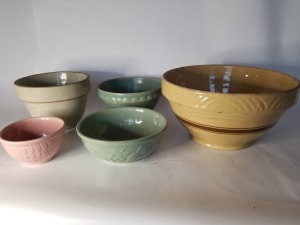(5) Antique Yelloware Mixing Bowl Lot