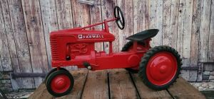 Eska Farmall Mid Size M Closed Grill Type 1
