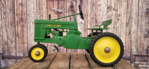 Eska John Deere Small 60 Seat Forward Type 1