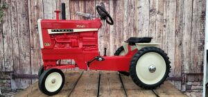 Scale Models Farmall 1206 Turbo