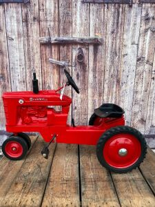 Scale Models Farmall Super M
