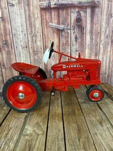 Eska Farmall Small H Type 2