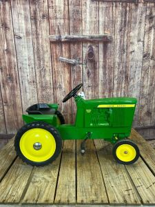 Customized Ertl John Deere 3020 Diesel