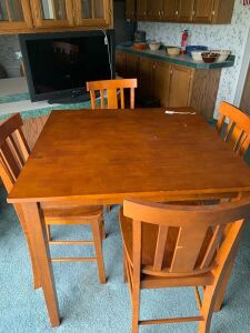 Hi-table with 4 chairs