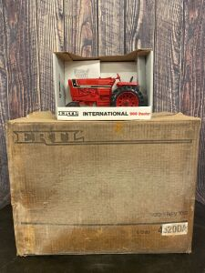 1/16 Scale Ertl International Harvester 966 Tractor Toys
