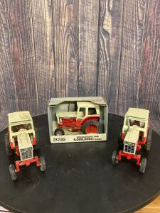 1/16 Scale Ertl International Harvester 1066 5,000,000th Tractor
