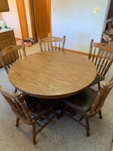 Kitchen Table with 6 Chairs and 2 leaves
