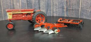 1/16 Scale Ertl/Carter Farmall/McCormick (3)-items