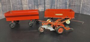 1/16 Scale Ertl/Carter International Harvester (3)-implements