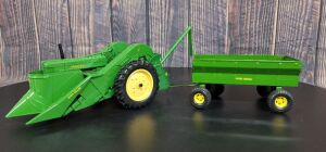 1/16 Scale Ertl John Deere (2)-items